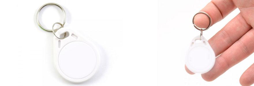 badge RFID a portee de main
